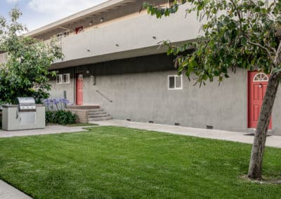 pet-friendly-apartment-in-lakewood-california